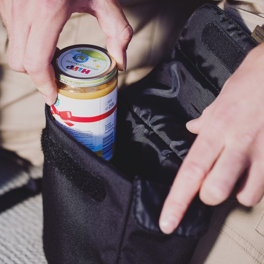 Herausnehmbare, gepolsterte Tasche für Baby-Nahrung, Gläschen und Fläschchen.