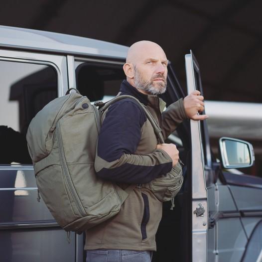 Der TT Tac Modular SW Pack 25 ist ein revolutionärer Einsatzrucksack, eigens für zivil operierende Spezialkräfte entwickelt: 25 Liter Volumen, ohne aufklärbare Logos und das Hauptfach lässt sich sowohl frontal und von der Rückseite komplett aufziehen