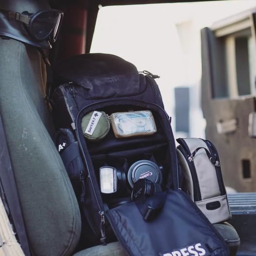 Im Innern wurde der TT Modular 30 Camera Pack mit verstellbaren Trennwänden für Kamera und Objektive ausgestattet, die bei Bedarf auch komplett ausgeklettet werden können.