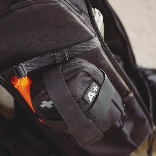 Die neue Tasmanian Tiger Tac Pouch Medic ist eine fortschrittliche IFAK Tasche mit umlaufendem Reißverschluss und smart konzipiertem Innendesign. Dazu passend der der TT Tac Pouch Holder .