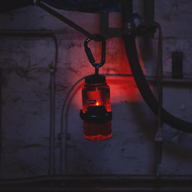 Nalgene Trinkflasche als Camp Licht