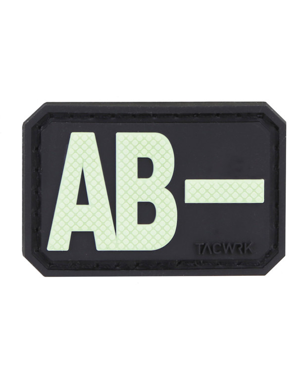 TACWRK Blutgruppe PVC Patch AB- GITD Nachleuchtend