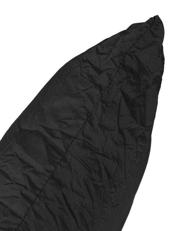 Carinthia Travel Pillow Black